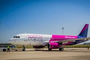 """""""Wizz Air"""" plečiasi: nauja bazė ir trys nauji maršrutai iš Londono"""