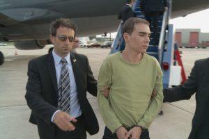 """""""Kanados psichopatas"""" pripažintas kaltu dėl pirmojo laipsnio žmogžudystės"""