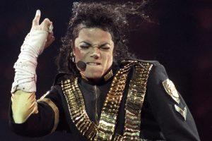 M. Jacksonas – daugiausia po mirties uždirbanti įžymybė