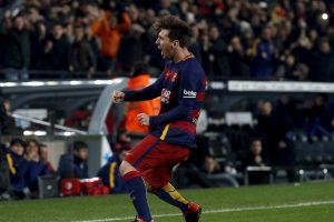 UEFA paskelbė 2015 metų Europoje rungtyniaujančių futbolininkų rinktinę