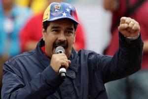 Venesuelos prezidentas ragina sukilti, jei opozicijai pavyks jį nušalinti