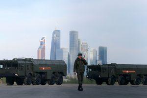 """Berlynas susirūpinęs dėl raketų """"Iskander"""" dislokavimo Kaliningrade"""