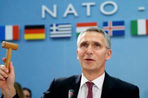 J. Stoltenbergas: NATO neplanuoja didinti karinio buvimo Baltijos šalyse