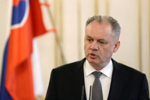 Slovakijos prezidentas apsisprendė patvirtinti naująją vyriausybę