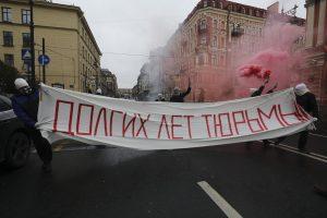 Trims rusams skirtas areštas dėl protesto per V. Putino gimtadienį