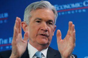 J. Powellas: ilgiau trunkantis JAV vyriausybės uždarymas smogs ekonomikai