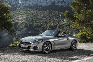 BMW naujienos Paryžiuje: nuo modernių elektromobilių iki pačių sportiškiausių modelių