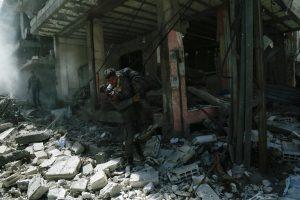 Damasko priemiestyje nukritusi raketa pražudė mažiausiai 35 žmones