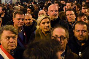 Paryžiuje tūkstančiai žmonių dalyvavo tylioje eisenoje prieš antisemitizmą