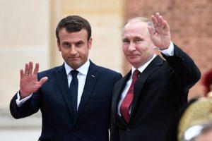 E. Macronas ketvirtadienį vyksta susitikti su V. Putinu