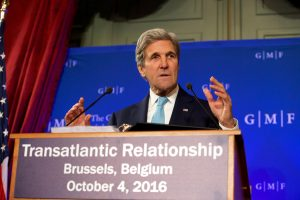 J. Kerry: JAV sieks kuo tvirtesnių ES ir Britanijos ryšių