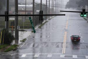 """Uraganas """"Matthew"""" apdraskė NASA raketų paleidimo centrą"""