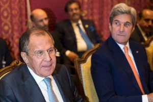 J. Kerry ir S. Lavrovas susitiko prieš derybas Šveicarijoje dėl Sirijos