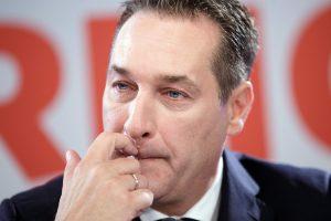 Austrijos kraštutiniai dešinieji pasirašė paktą su Rusijos prezidento partija