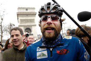 Rekordinę kelionę dviračiu aplink pasaulį planuojantis britas aplankys ir Lietuvą