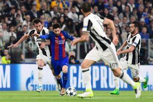 """""""Juventus"""" namuose sutriuškino """"Barcelonos"""" futbolininkus"""