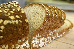 Duonos kelias Lietuvoje: kada ir kaip atsirado pjaustyta duona?