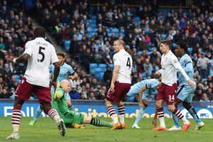 """""""Manchester City"""" futbolininkai Anglijos čempionate pakilo į antrąją vietą"""
