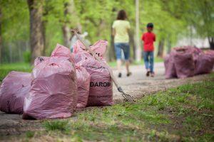 Keli tūkstančiai savanorių triūsė nacionaliniuose ir regioniniuose parkuose