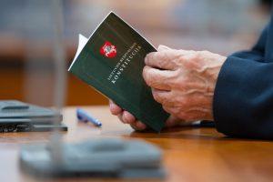 Konstitucijos egzaminas sunkiausias teisinį išsilavinimą turintiems asmenims