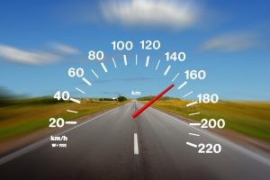 Namo skubėjęs vairuotojas važiavo 193 km/h greičiu