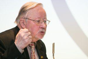 V. Landsbergis apie Astravo AE: ant mūsų galvos daro bombą