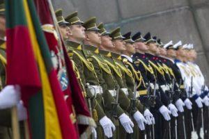 Aviacijos bazėje Šiauliuose kariai minės Oro pajėgų įkūrimo metines
