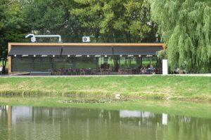 Kalniečių parke duris atvėrė kavinė, tačiau žadėto fontano nematyti