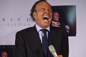 Ispanas siekia teisme įrodyti esąs nesantuokinis J. Iglesias sūnus