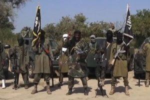 Kamerūne apvirtus kariuomenės laivui tebeieškoma 34 karių
