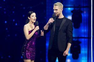 """""""Lietuvos balso"""" nugalėtoja sudrebino """"Eurovizijos"""" sceną su E. Jennings daina"""