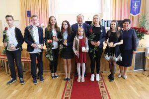 Kauno rajone pagerbti moksleivių olimpiadų nugalėtojai