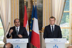 E. Macronas: nepamokslausiu Egipto prezidentui dėl žmogaus teisių