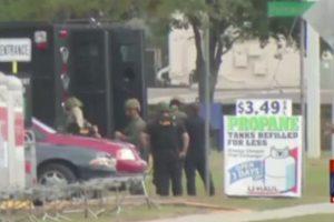 Floridoje banko plėšikas dvi valandas įkaitais laikė 11 žmonių
