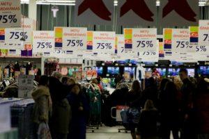 Lipdukai nebeveikia: prekybos centrai ieško naujų klientų viliojimo būdų