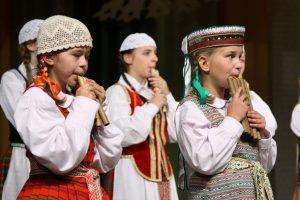 """Utenoje – skudutininkų, ragų ir daudyčių pūtėjų festivalis """"Dudutis"""""""
