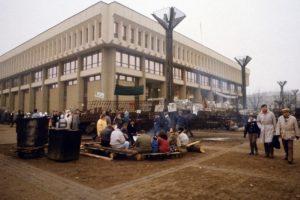 1991 metų sausio 8-oji – diena, kai iškilo pavojus parlamentui