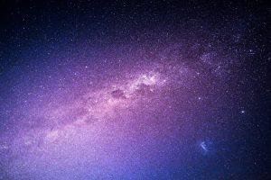 Kuriami palydovai, kuriais danguje įžiebtų dirbtinių žvaigždžių