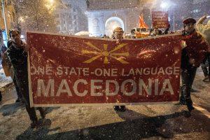 Tūkstančiai makedonų protestavo prieš planus keisti šalies pavadinimą