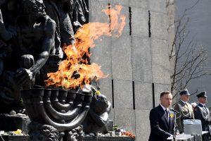 Lenkija mini 75-ąsias Varšuvos geto sukilimo metines