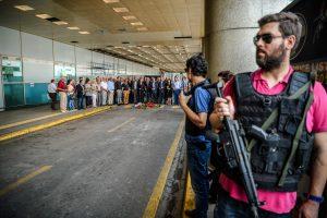 Stambulo oro uosto sprogdintojai ketino paimti įkaitus
