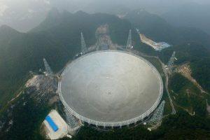 Didžiausias pasaulyje radioteleskopas kosmose ieškos kitų gyvybės formų