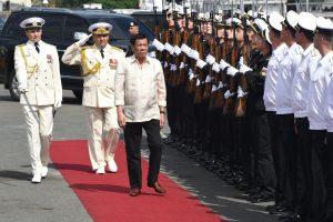 Filipinų lyderis apžiūrėjo rusų karo laivą