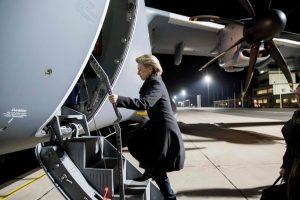 Sugedęs Vokietijos gynybos ministrės lėktuvas tebestovi Kaune