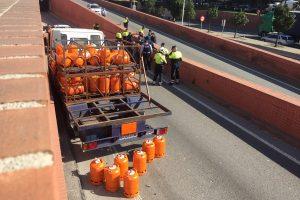Barselonoje sunkvežimį su dujų balionais švedas pavogė po audringos nakties