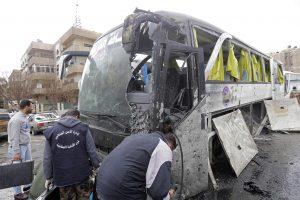 Sprogimų Damaske aukų skaičius išaugo iki 74, atsakomybę prisiėmė islamistai