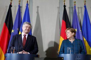 A. Merkel nori atnaujinti Minsko derybas dėl Rytų Ukrainos