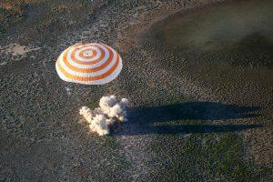Rusijos ir Prancūzijos astronautai sėkmingai grįžo į Žemę