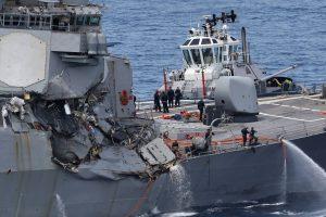Po prekinio laivo ir JAV minininko susidūrimo rasti negyvi jūreiviai
