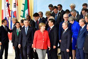 Galvosūkis: pasaulio politika ištikta neveiksnumo, o ekonomika kyla